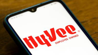Hy-Vee store in Nebraska sets world record for largest ice cream sandwich