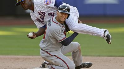 Test shows bone bruise for Braves shorstop Simmons